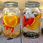 3 Möglichkeiten, den Wassergeschmack aufzupeppen